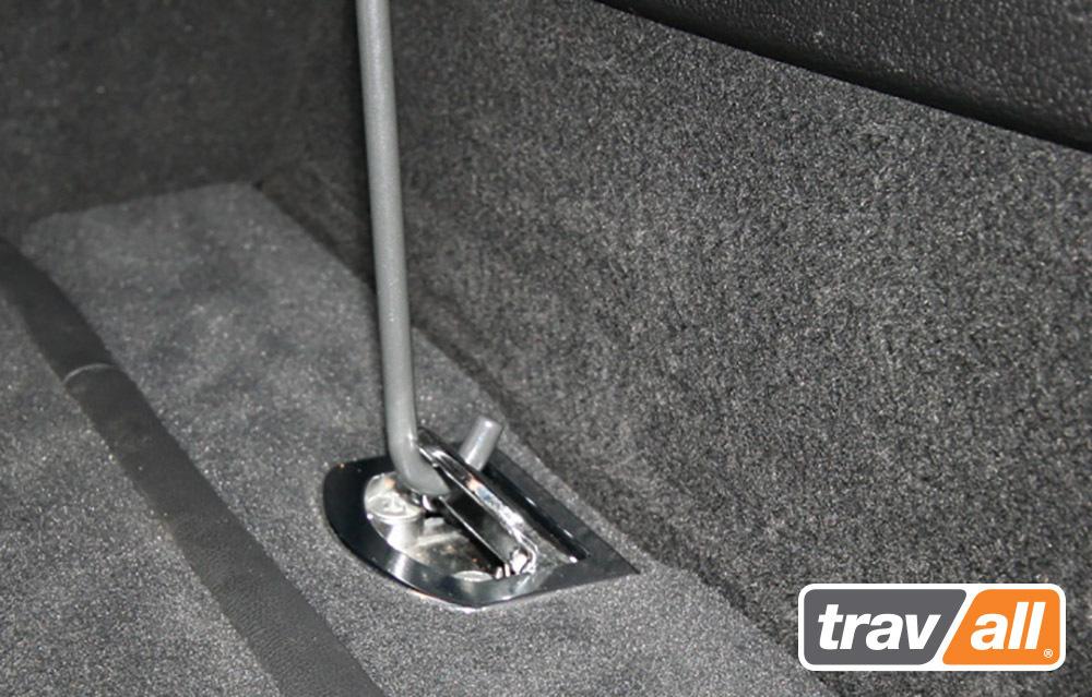 hundegitter f r audi q7 2006 hundetransportboxen f r. Black Bedroom Furniture Sets. Home Design Ideas