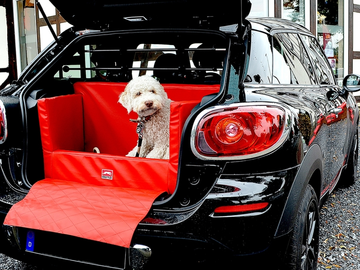 bmw x1 dog autobett kofferraumschutz schondecke und. Black Bedroom Furniture Sets. Home Design Ideas